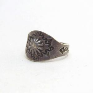 Antique Concho Repoused Silver Small Tourist Ring  c.1930~