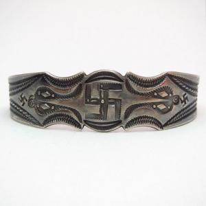 Antique 卍 Whirling Log Stamped Silver Cuff Bracelet  c.1920~