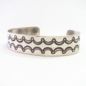 【Fred Thompson】 Vintage Navajo Stamped Silver Cuff  c.1965~