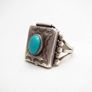 Antique Navajo Silver Pill Box Ring w/Turquoise  c.1930