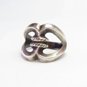 Vintage Navajo Stamped Cast Silver Knot Desing Ring  c.1940~