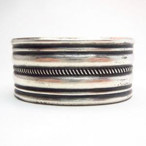 【U.S.NAVAJO 70】 Filed & Stamped Silver Cuff Bracelet  c.1940