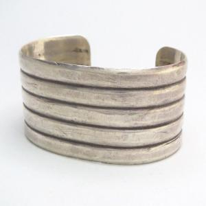 Antique 【UITA21/Ganscraft】 Ribbed Wide Cuff Bracelet c.1940~