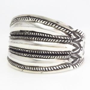 【Ernie Lister】 Navajo Repoused CoinSilver Wide Cuff Bracelet