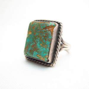 Vintage Split Shank Ring w/Square Green Turquoise  c.1945~