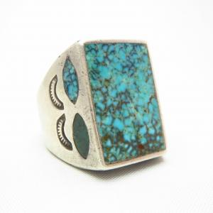 Vintage Zuni or Navajo Ring w/NevadaBlue TQ c.1940