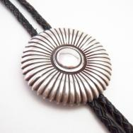 【Jerry Roan】 Navajo Burst Stamped Concho Clasp Bolo  c.1960~