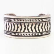 Attributed to【NAVAJO GUILD】Stamped Ingot Silver Cuff  c.1940