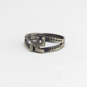 Antique 卍 WhirlingLog Patched Split Shank Narrow Ring c.1930