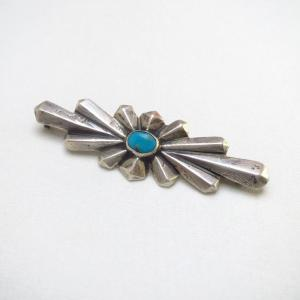 Vintage Casted Silver Burst Shaped Pin Brooch w/TQ  c.1935~