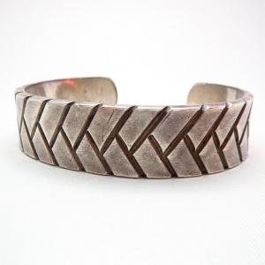 NAVAJO GUILD Basket Stamped Heavy Cuff c.1940