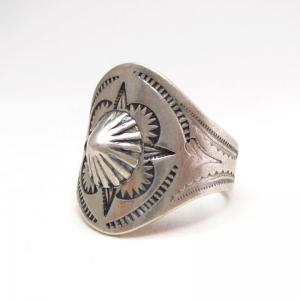 Antique Shell Repoused & ❤︎ Stamped Mens Tourist Ring c.1930