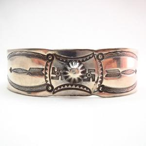 Antique Concho Repoused & 卍 Stamped Cuff Bracelet  c.1910~