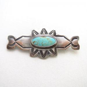【Wolf-Robe】 Acoma Vtg Stamped Silver Small Pin w/TQ  c.1940