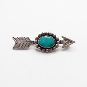 Atq 【Maisel's】 Stamped Arrow Shape Small Pin w/TQ  c.1940~