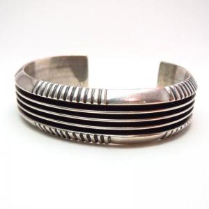 【Johnny Mike Begay】Navajo Tracks Style Cuff Bracelet c.1960