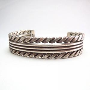 OLDPAWN  2Twisted & 3Round Silver Wire Cuff Bracelet  c.1970