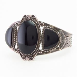 【GARDEN OF THE GODS】 Antique Silver Cuff w/Three Onyx c.1935