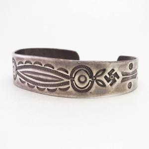 Antique Navajo 卍 & Arrows Stamped Ingot Silver Cuff  c.1925~