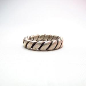 Vintage Navajo Twisted Wire Women's Silver Ring